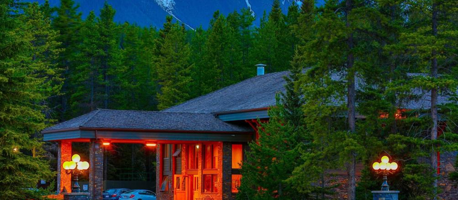 Hotel Mountaineer Lodge Canada