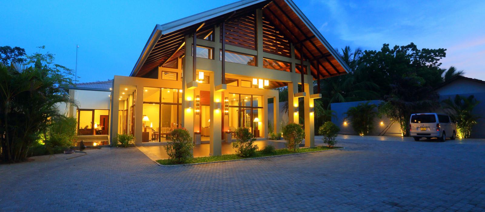Hotel Chaarya Resort and Spa Sri Lanka