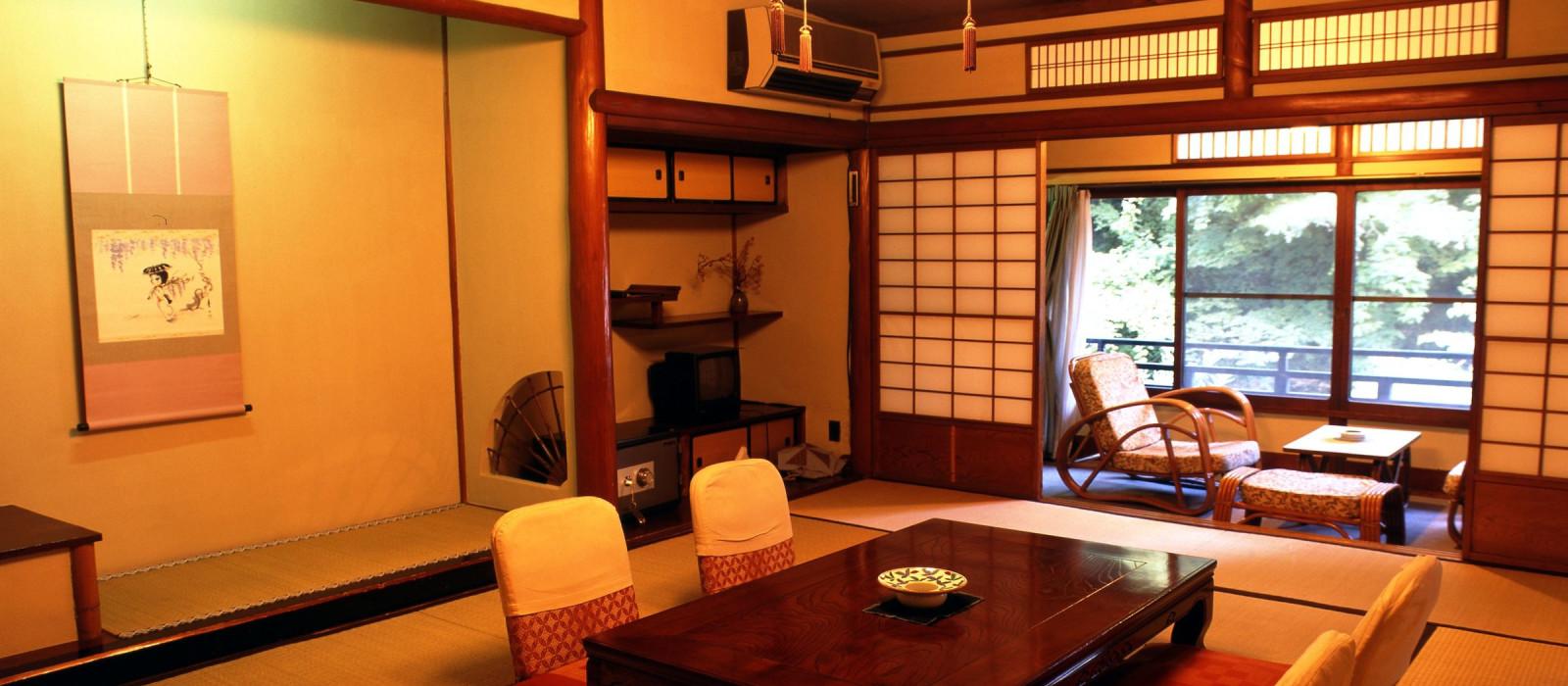 Hotel Tōnosawa Ichinoyu Honkan Ryokan Japan