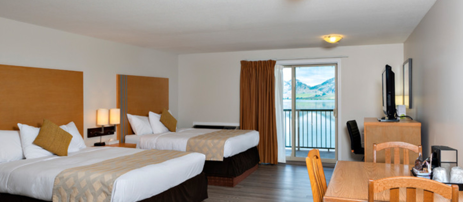 Hotel Coast Osoyoos Beach  %region%