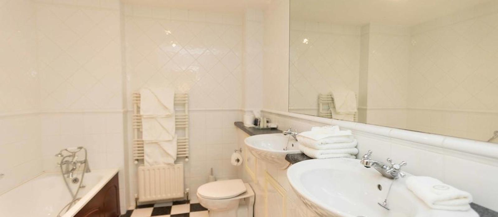 Hotel Sheedy's  & Restaurant UK & Ireland