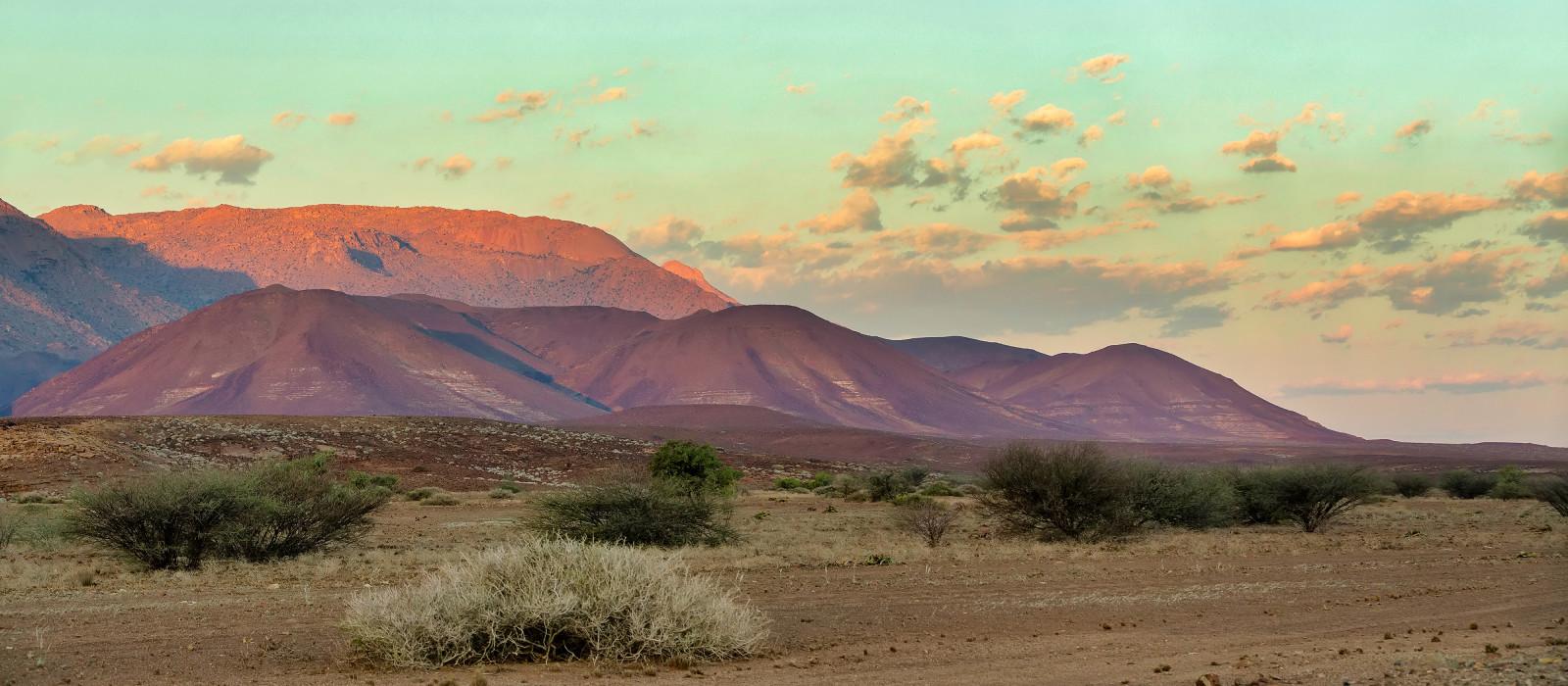 Destination Damaraland (Brandberg and Spitzkoppe) Namibia