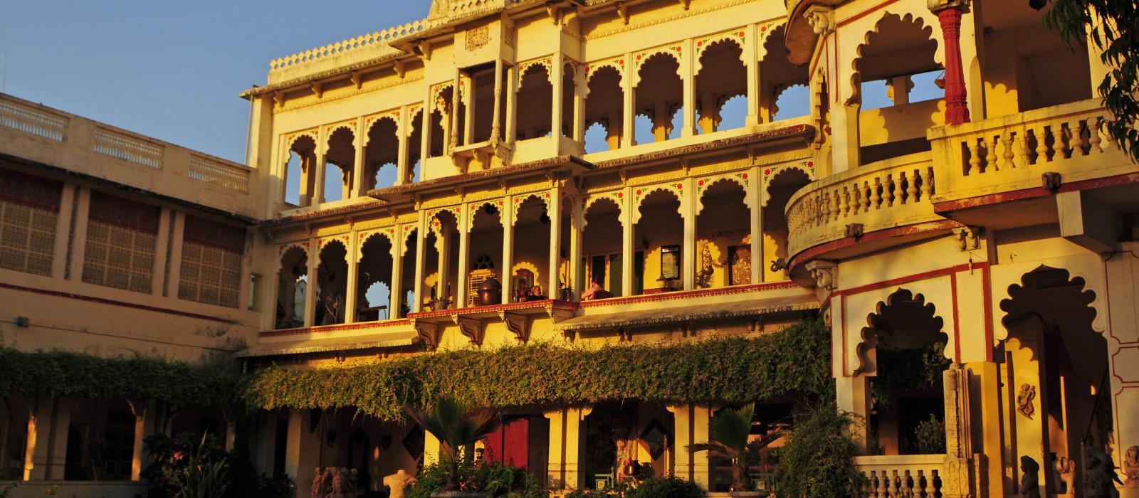 Destination Poshina Central & West India