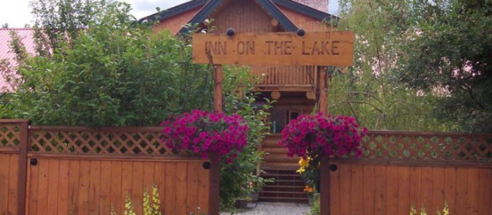 Hotel Inn on the Lake %region%