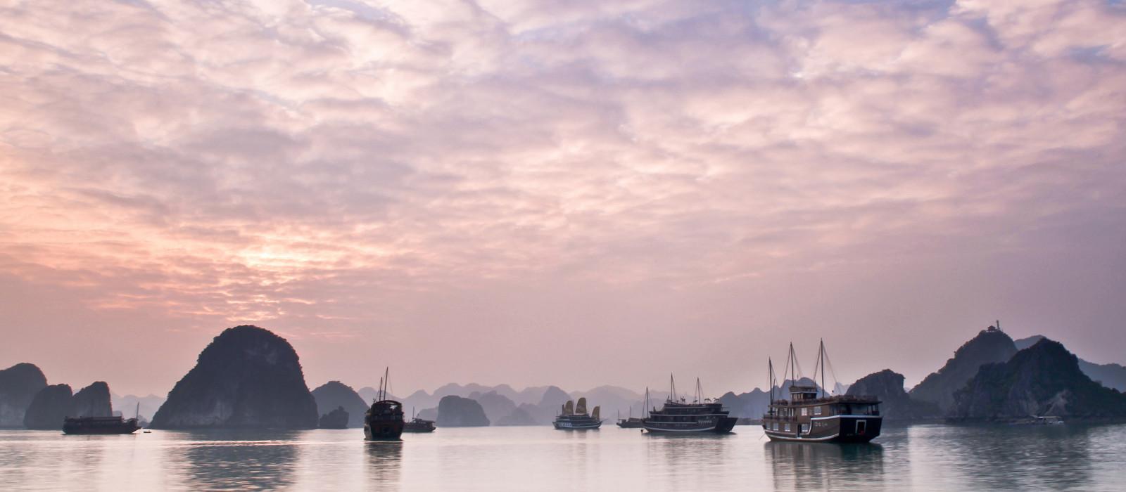 Hotel Valentine Premium Halong Bay Vietnam