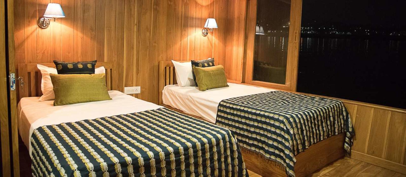 Hotel MV Rudra Singha East India