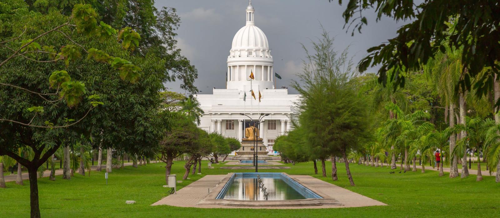 Hotel Mandarina Colombo Sri Lanka