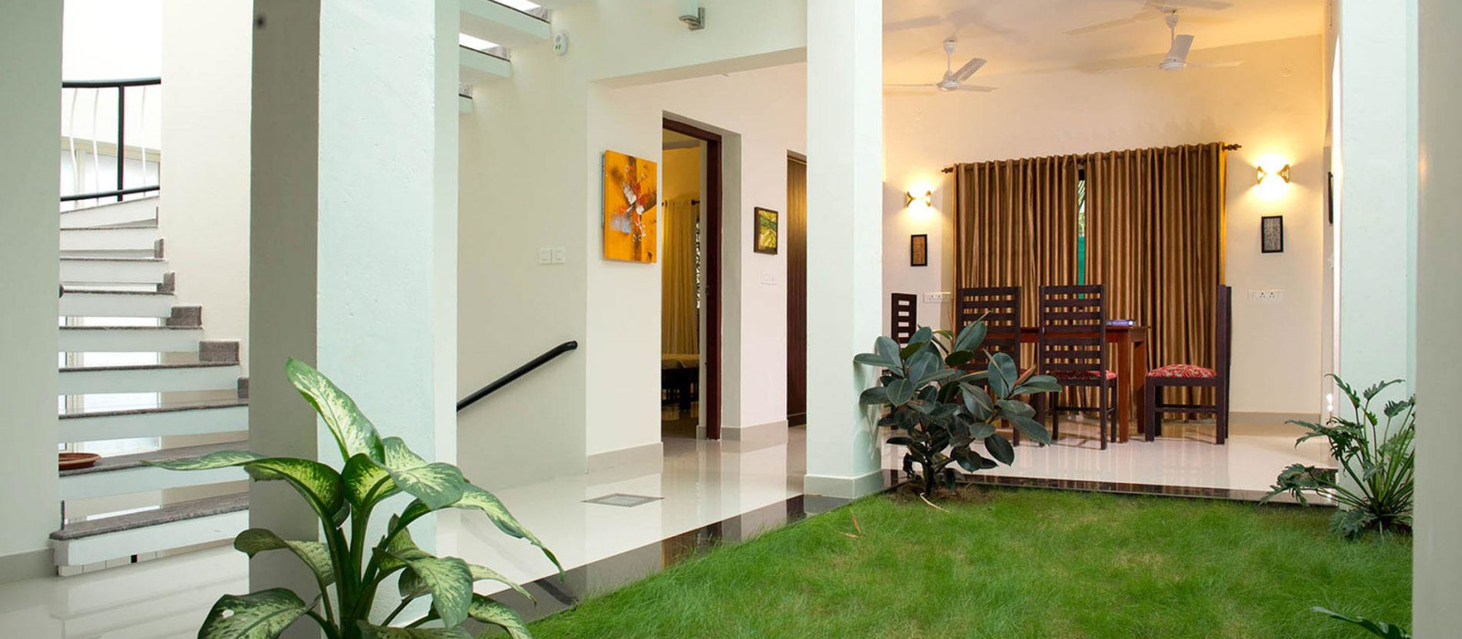 Hotel The Francis Residence South India