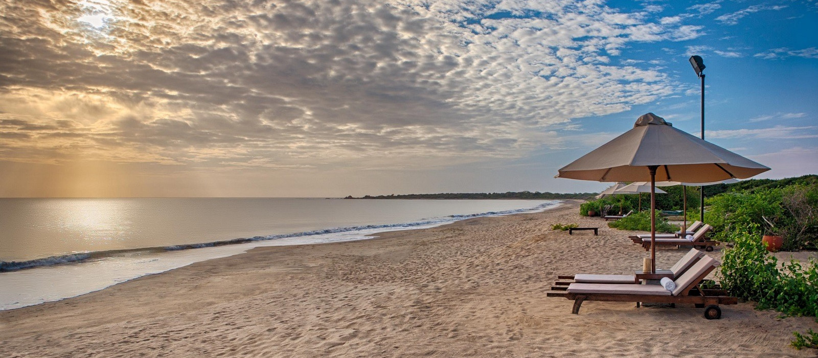 Hotel Jungle Beach by Uga Escapes Sri Lanka