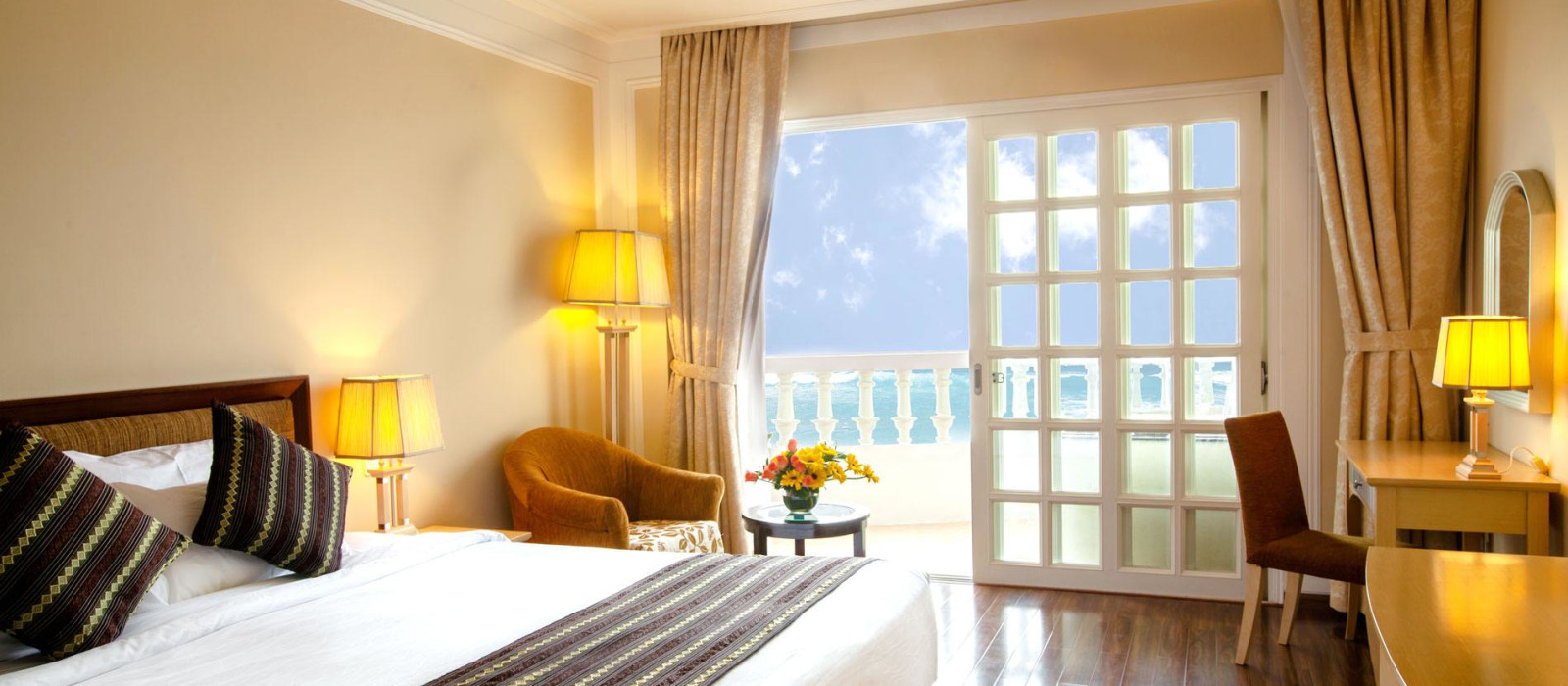 Hotel Sunrise  Vietnam
