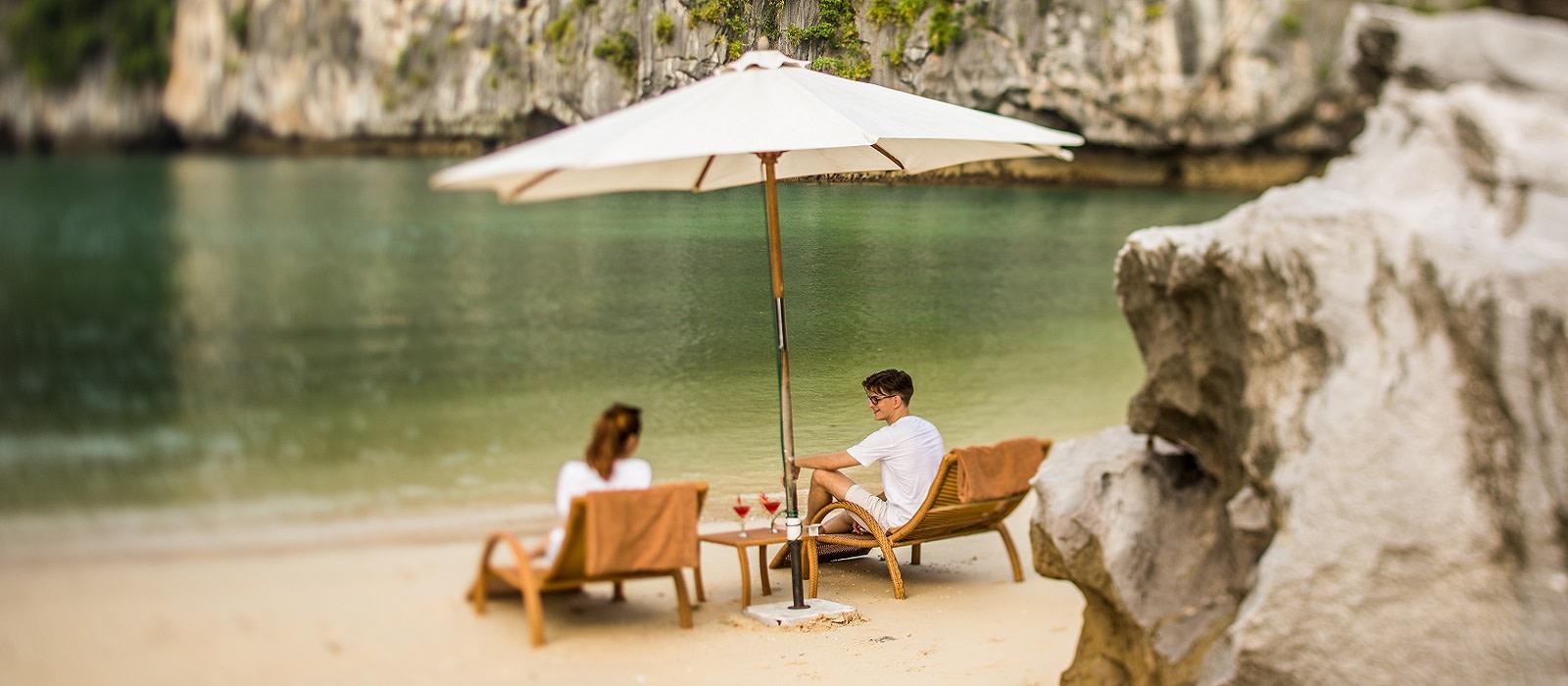 Hotel Bhaya Cruise Classic Vietnam