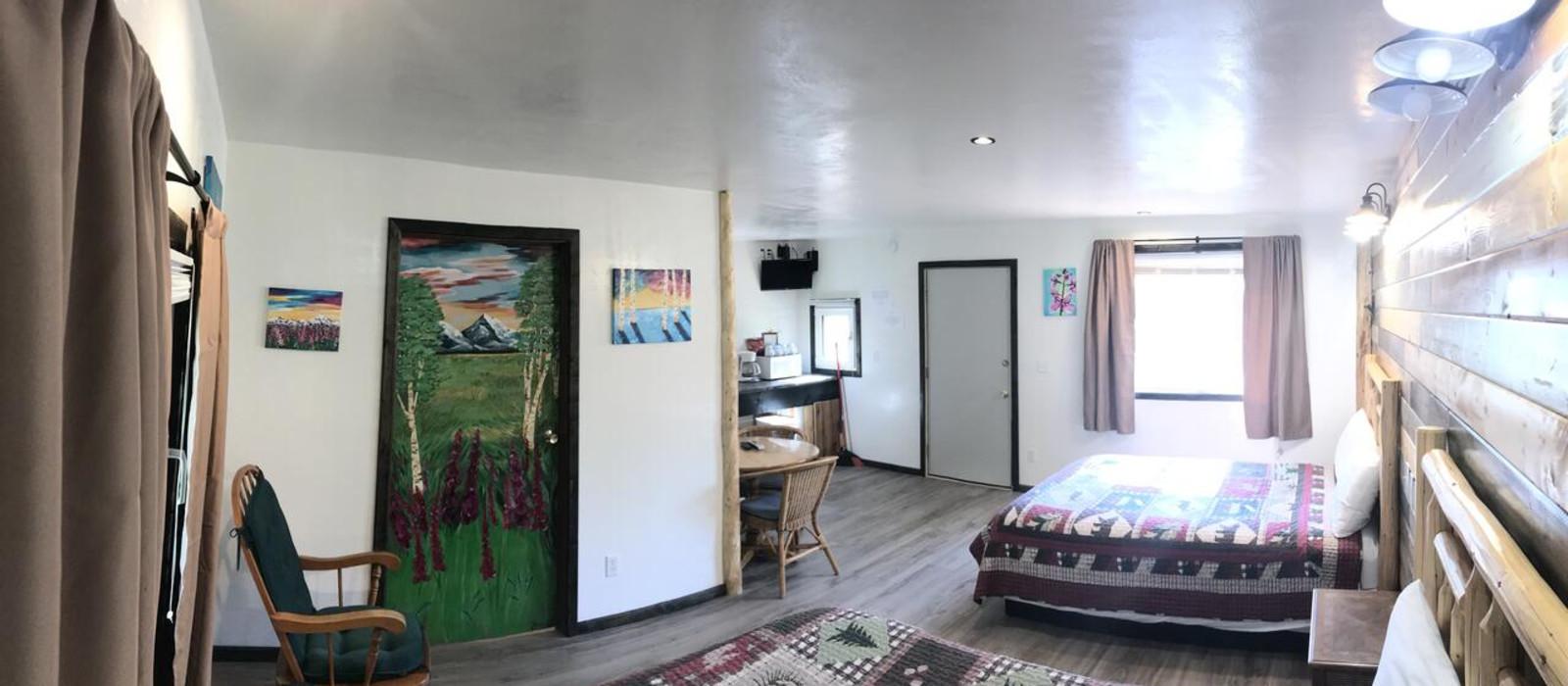 Hotel Fox 'n Fireweed Cabins Alaska