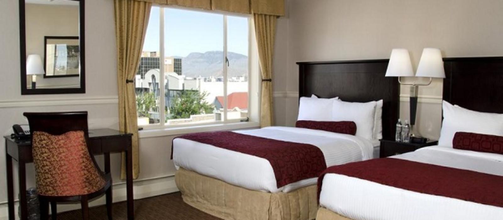 Hotel The Plaza  Canada