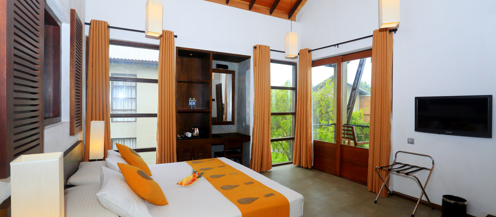 Hotel Chaarya Resort and Spa Sri Lanka