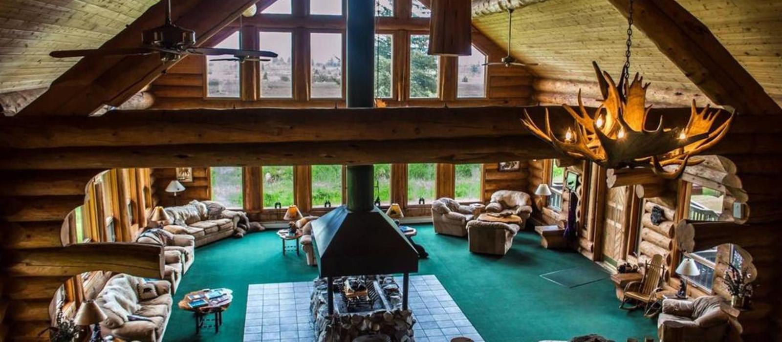 Hotel Glacier Bay's Bear Track Inn Alaska