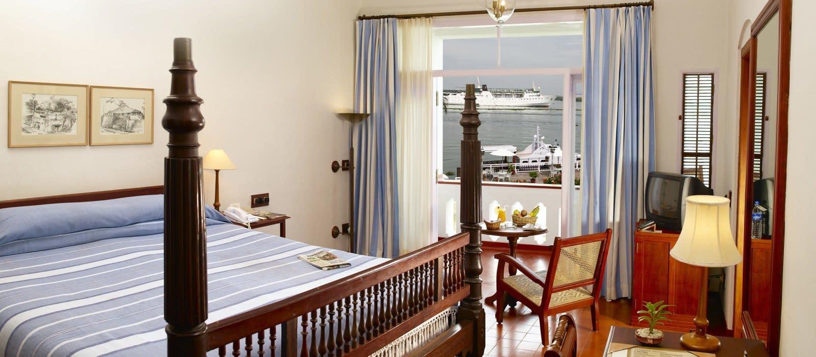 Hotel Brunton Boatyard South India