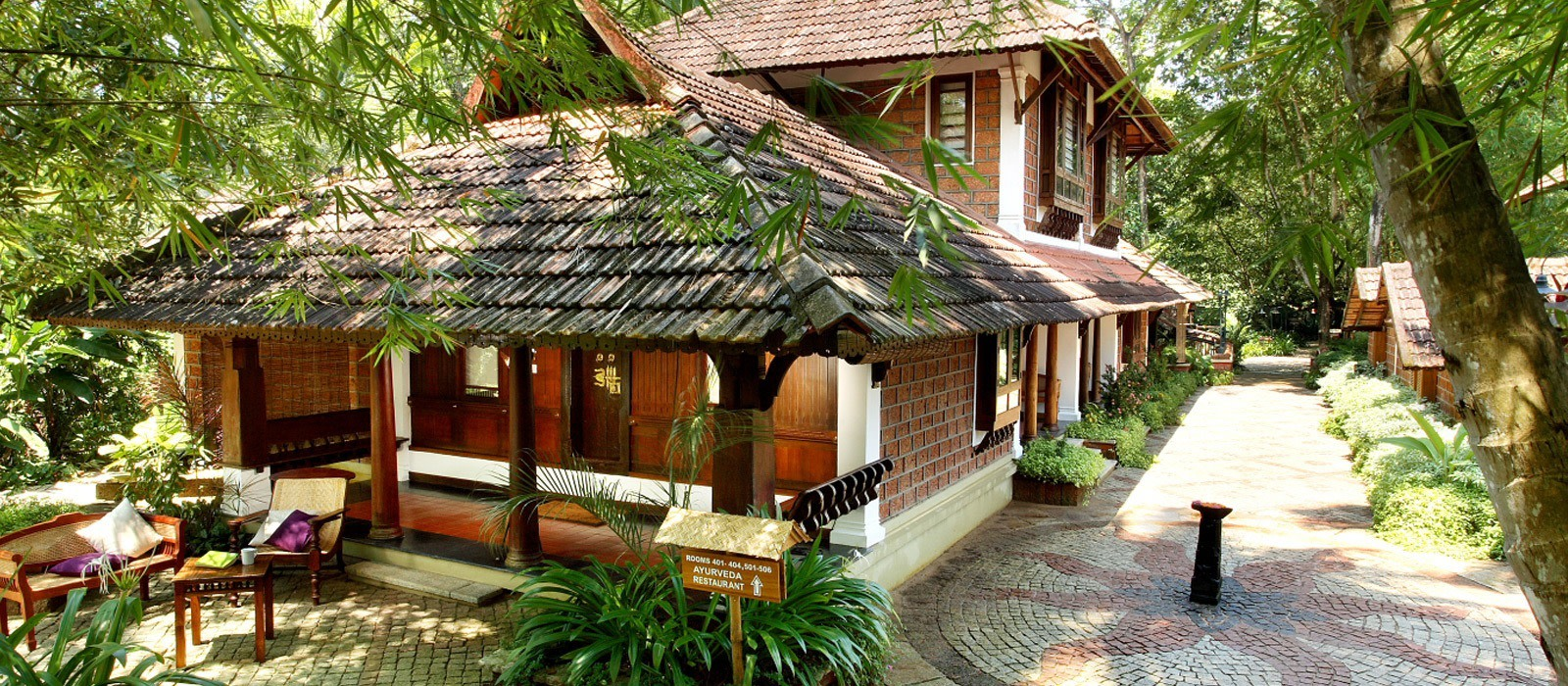Hotel Punnamada Backwater Resort South India