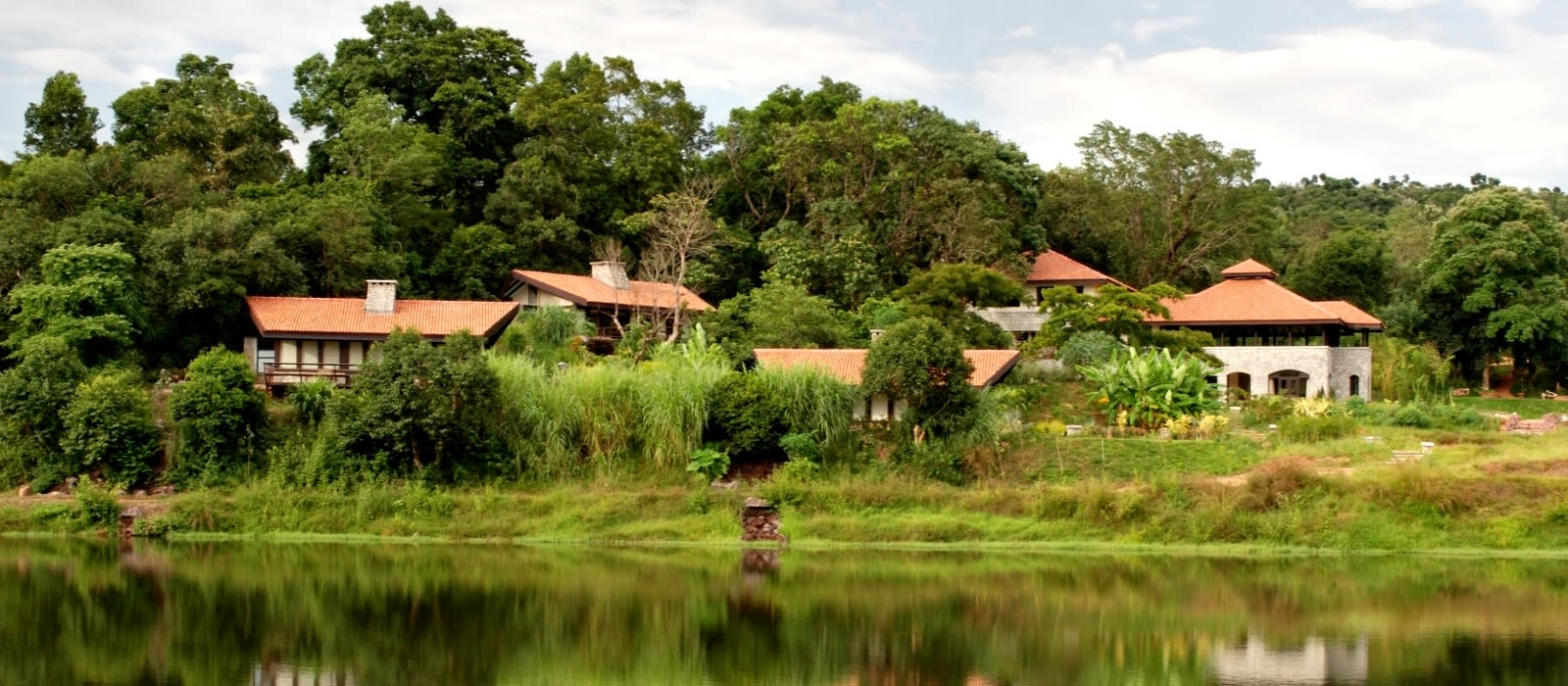 Hotel Flameback Lodge South India