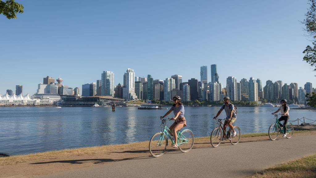 Cycling along the Seawall and Stanley Park, Vancouver
