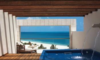 EC Two Storey Rooftop Terrace Suite Ocean Front