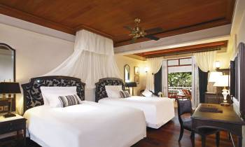 Deluxe Room Colonial Wing