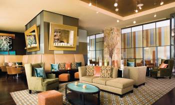 Bar 10 lounge