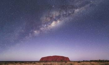 natureandwildlife uluru milky way red centre