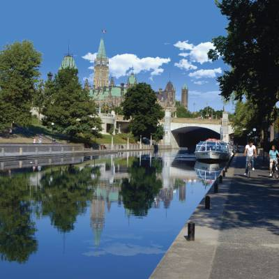 Cycling along the Rideau Canal pathway