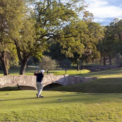 Brack Clubhouse Golfer