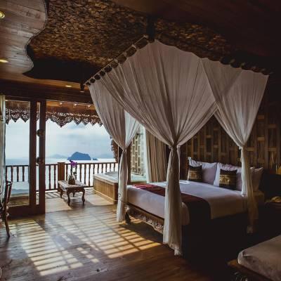 Supreme Deluxe Sea View Bedroom