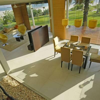 Beach Villa Living and Dining Room