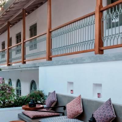 Courtyard, Fort Bazaar