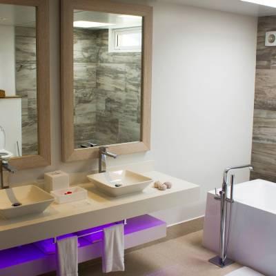 Oceant Chalet Bathroom