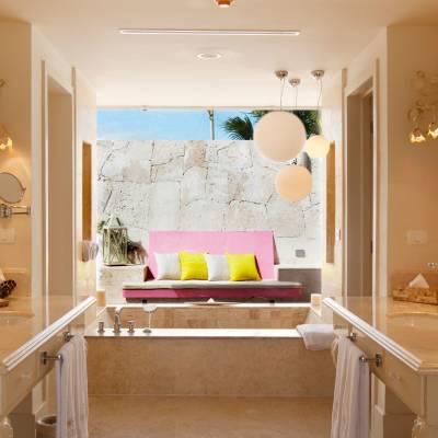 Luxury Pool Junior Suite spa bathroom