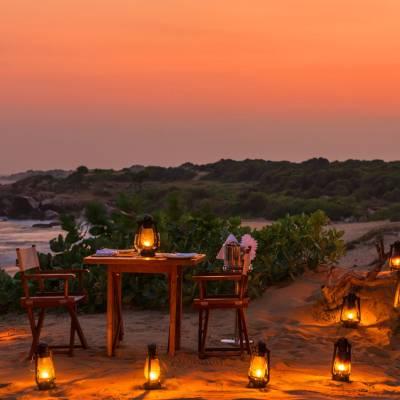 Beach dining, Chena Huts