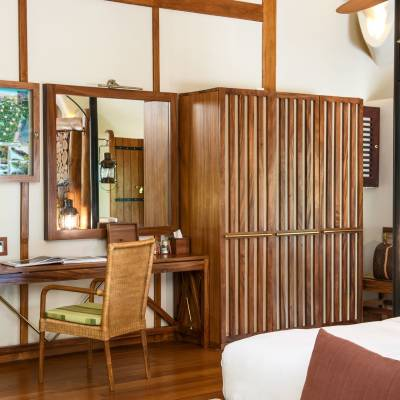 Cabin bedroom, Chena Huts