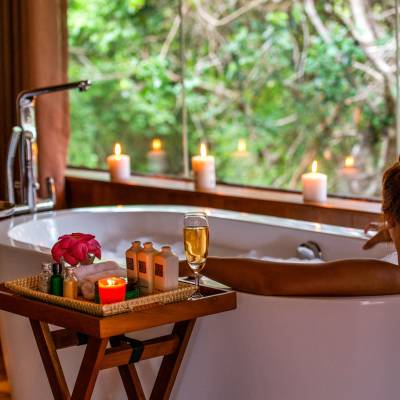Cabin bath, Chena Huts, Sr Lanka