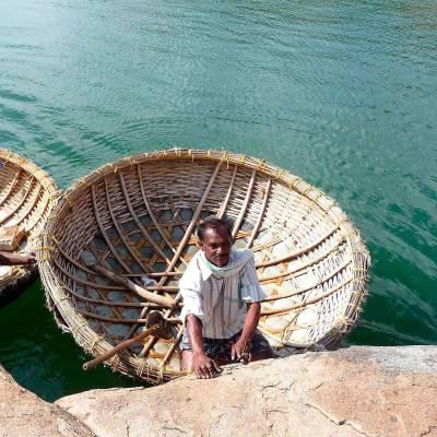 Traditional fishing on Lake Pichola