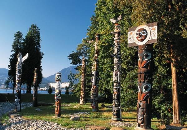 Totem Poles, Stanley Park,Vancouver, British Columbia