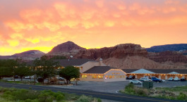 Enchanting Travels USA Tours Capital Reef Resort