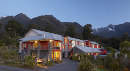 Distinction Hotel Fox Glacier - Facade