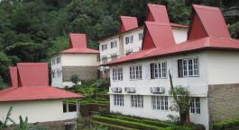 Auu00dfenansicht vom Hotel  Golden Rock in Kyaiktiyo, Myanmar