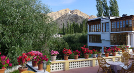 Outside view of Hotel Omasila, Leh, Himalayas, India, Asia