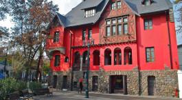 Auu00dfenansicht vom Castillo Rojo Hotel, Santiago de Chile in Chile Santiago de Chile