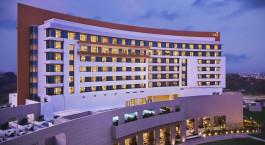 Fassade des Taj Swarna Hotels in Amritsar Indien