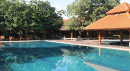 Swimmingpool im Rupar Mandalar Hotel in Mandalay, Myanmar