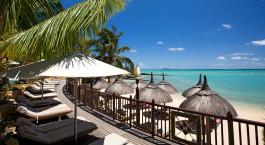 Blick auf den Strand im LUX* Grand Gaube Hotel in Mauritius
