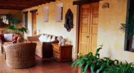 Lounge im Meson de Maria Hotel in Antigua, Guatemala