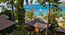 Vogelperspektive der Gu00e4steunterku00fcnfte im Bunga Raya Island Resort & Spa Hotel in Kinabalu, Malaysia