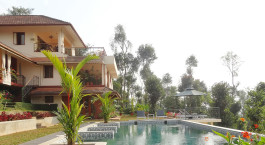 Enchanting-Travels-Asien Reisen-Indien-Kerala-Wayanad-Amaryllis-Pool